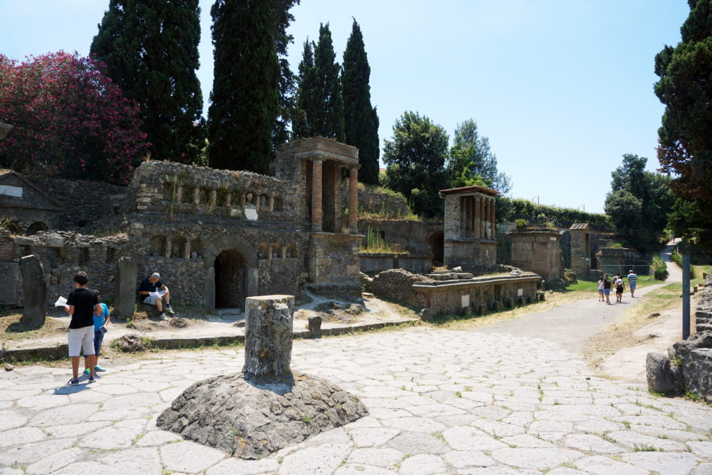 Road Trip through Italy, Honeymoon, Nicole Eachus Naples, Pompeii Ruins