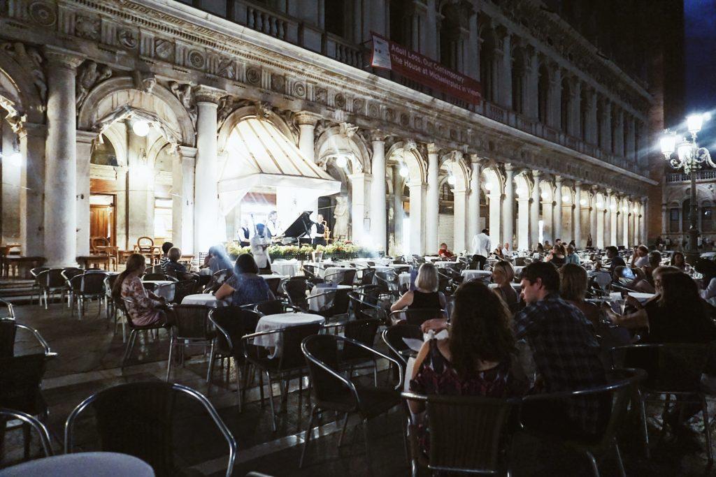 Road Trip through Italy, Honeymoon, Nicole Eachus Venice
